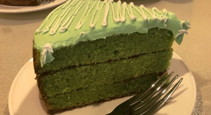 Ryongbuk-Shop-Restaurant-Green-Tea-Matcha-Cake-675x368